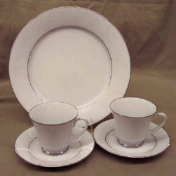 Noritake Tahoe 3585 Dinner Plate 2 Cups & Saucers Sale from Clark Flower and Gift Shop in Clark, SD